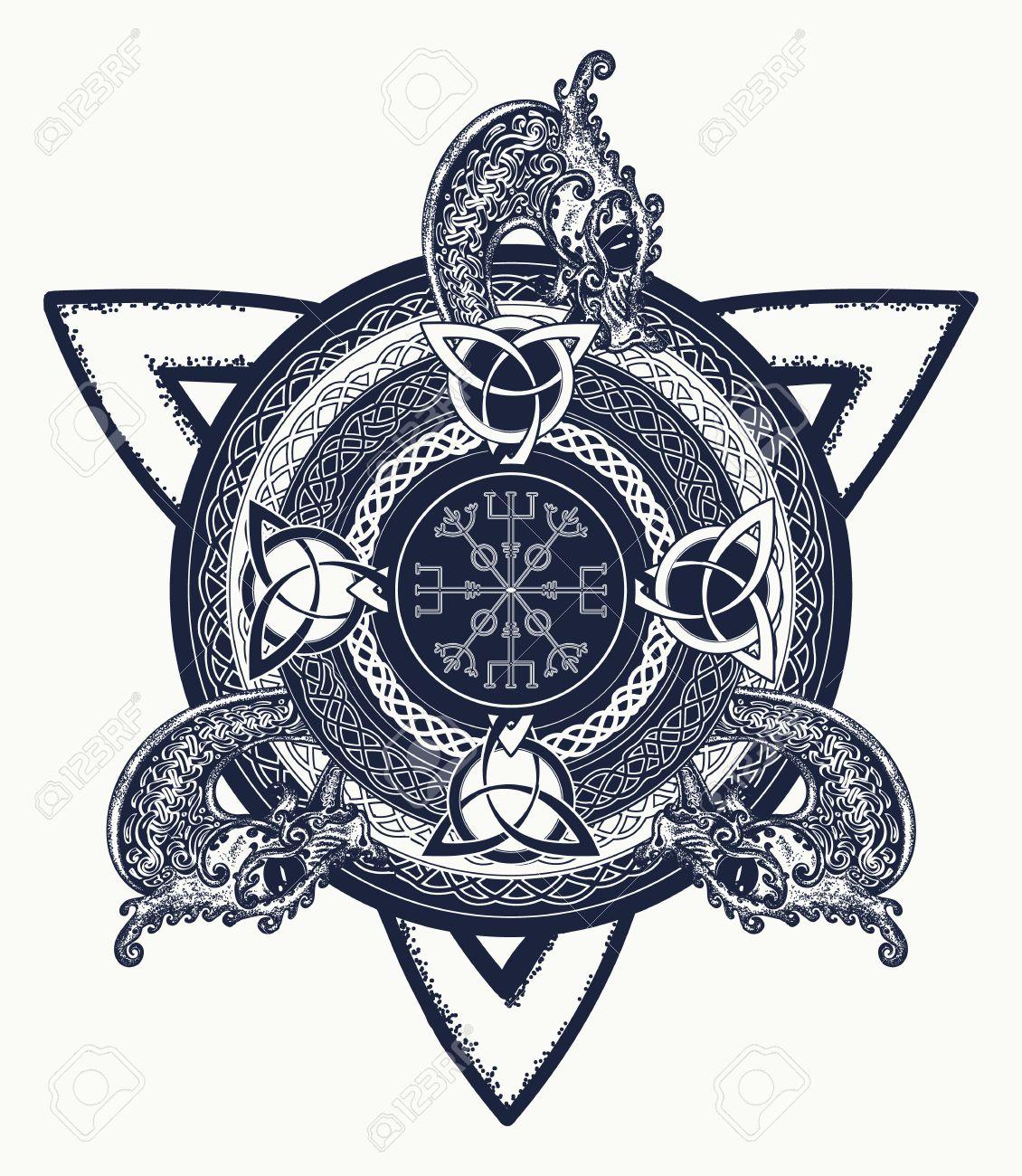 Arte Del Tatuaje Cruz Celta Y Diseño De La Camiseta. Dragones ...