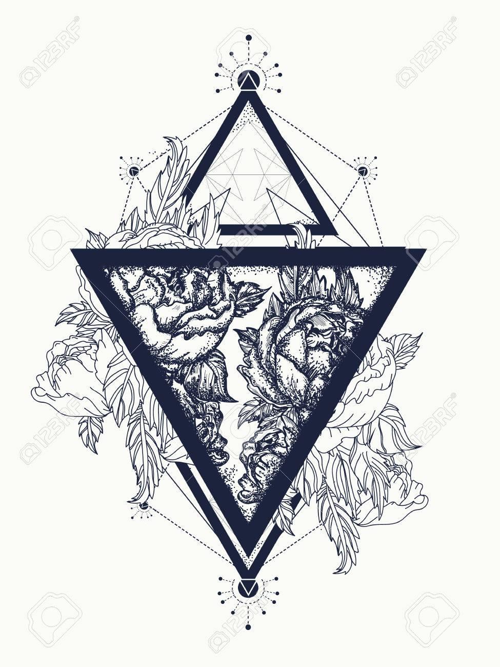 Roses Dans Un Triangle Tatouage Art Symbole De Liberte De Beaute