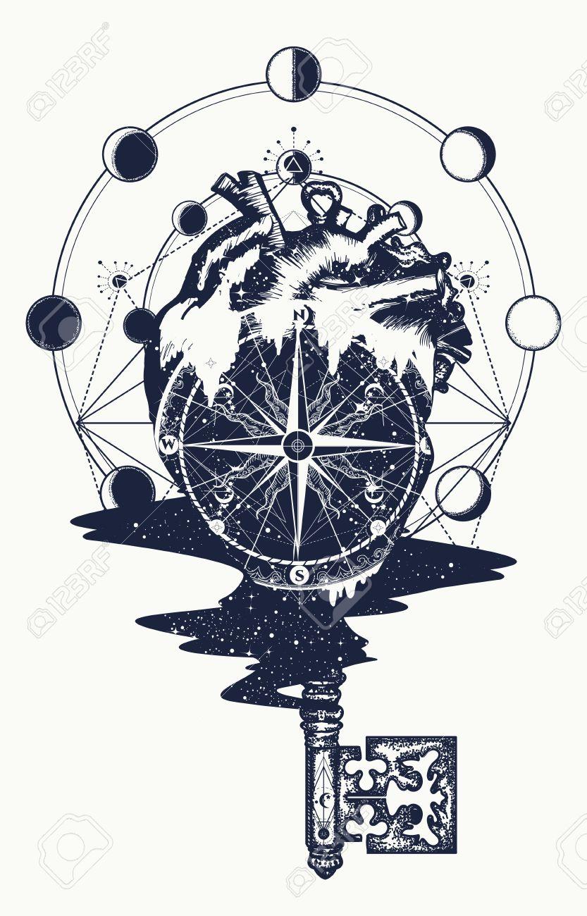 Coeur Steampunk conception de tatouage et de t-shirt à coeur et cru. boussole dans