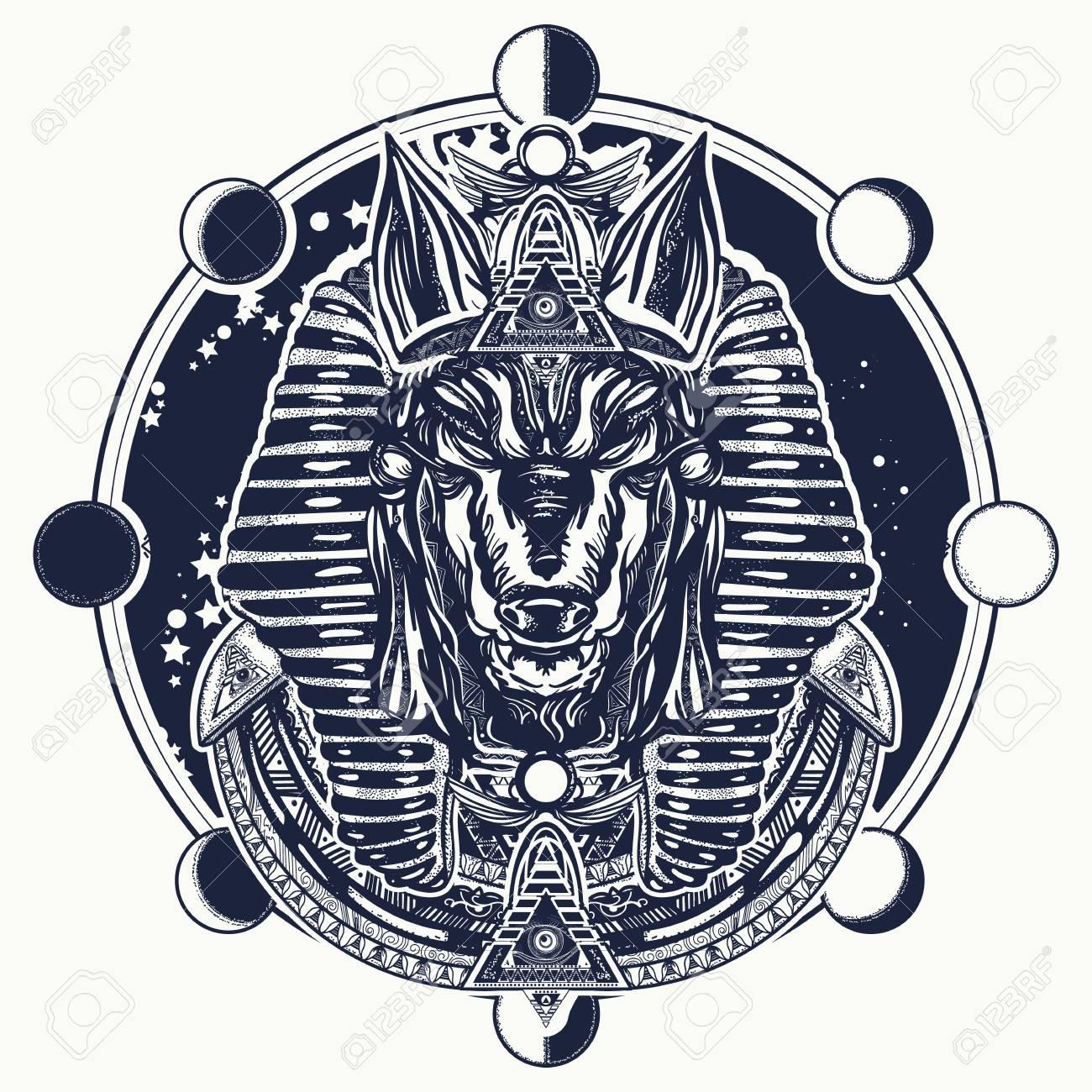 Diseño De Camiseta Y Tatuaje De Fase Lunar Y Anubis Antiguo Egipto
