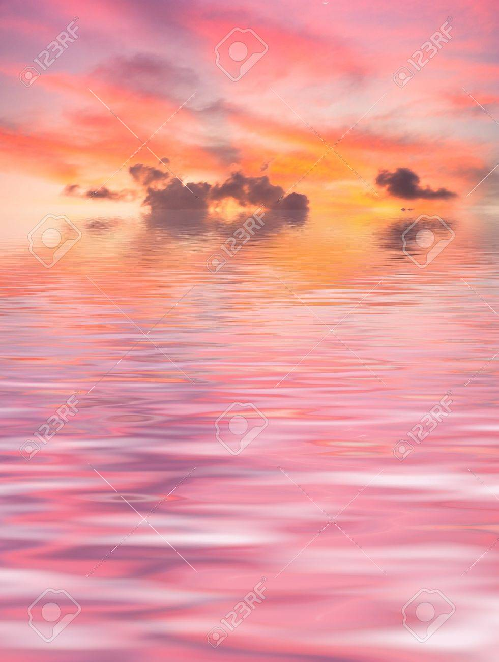 Red Sunset over Sea Stock Photo - 7951281