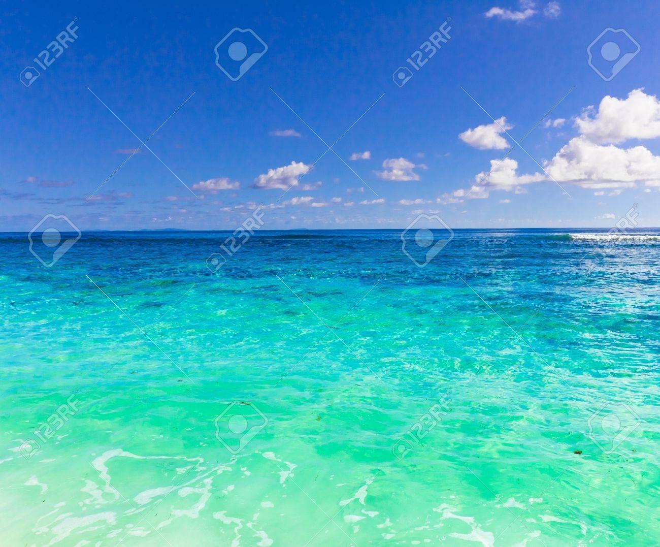 夏の海の壁紙 の写真素材 画像素材 Image 10656326