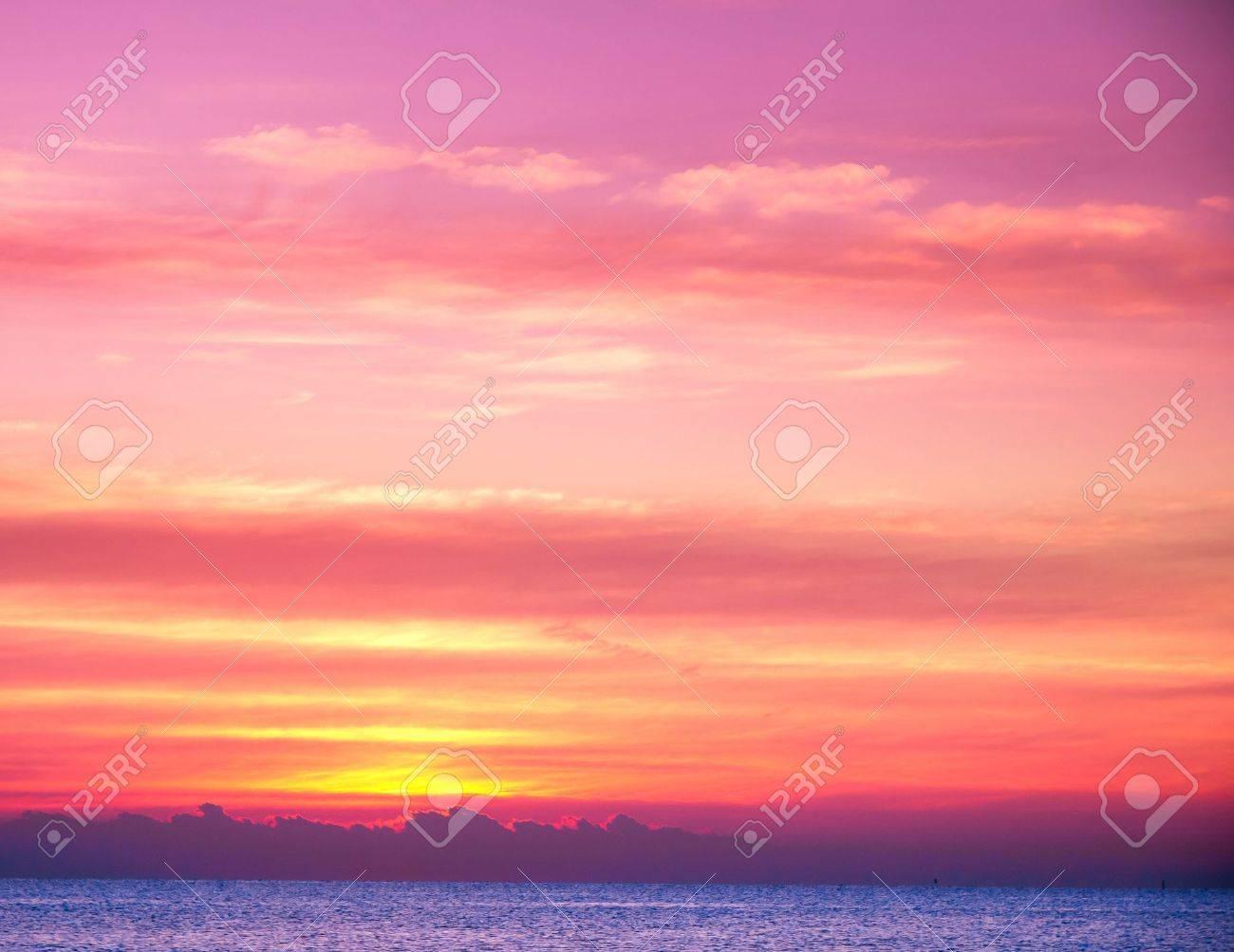 Beautiful Sunrise Stock Photo - 10655913