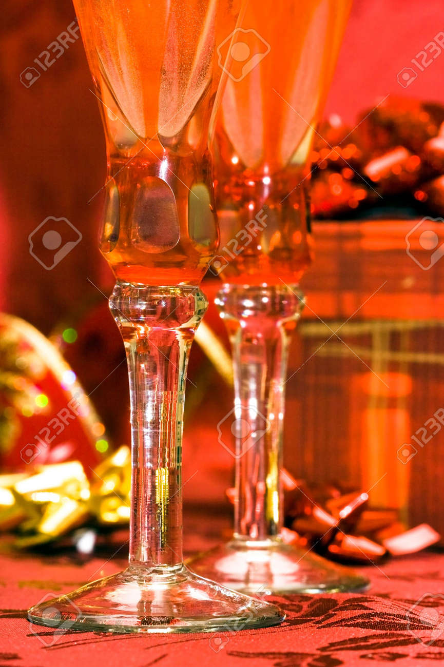 glass with champagne and gift box Stock Photo - 3423797