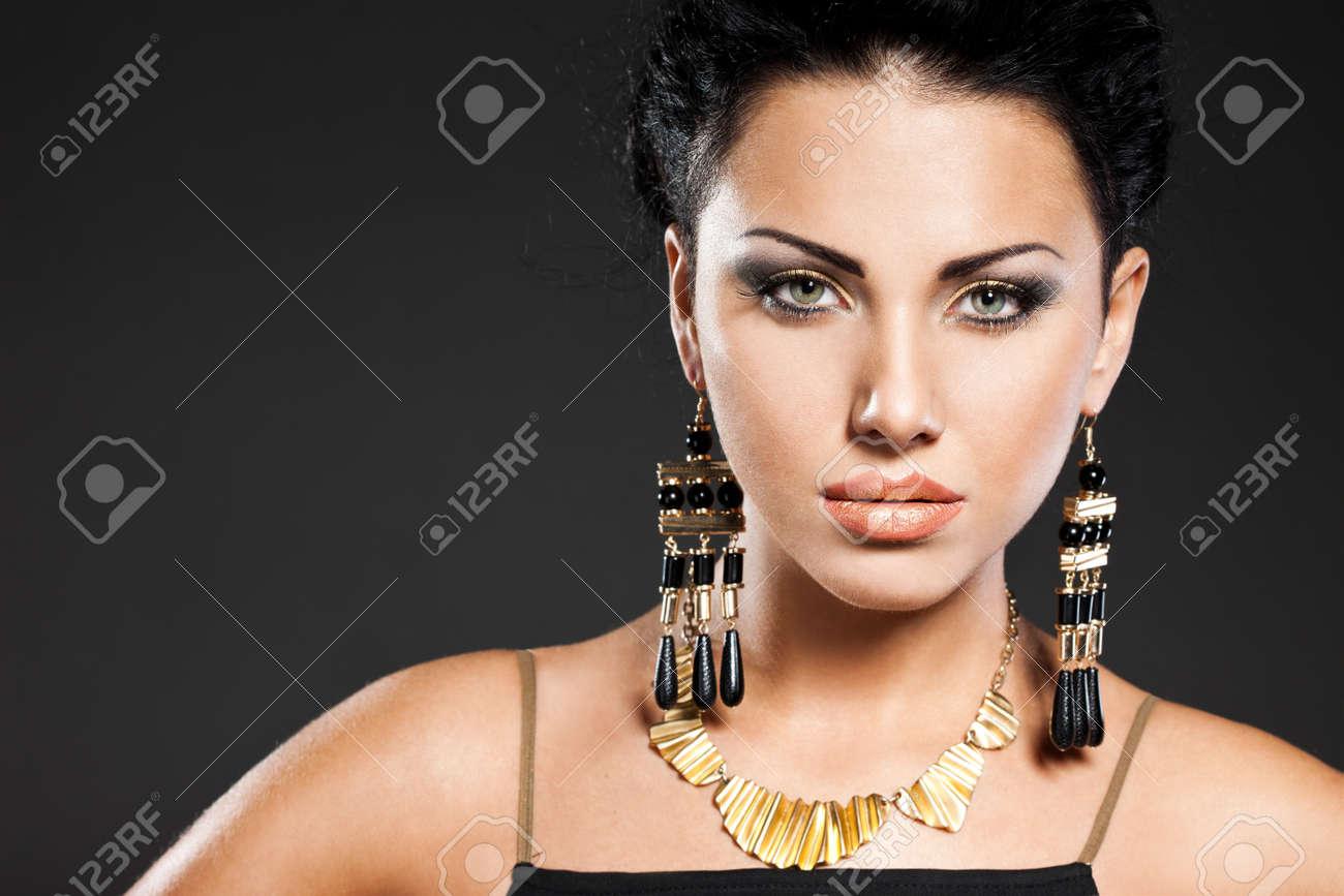 portrait of elegant fashionable woman Stock Photo - 9110804