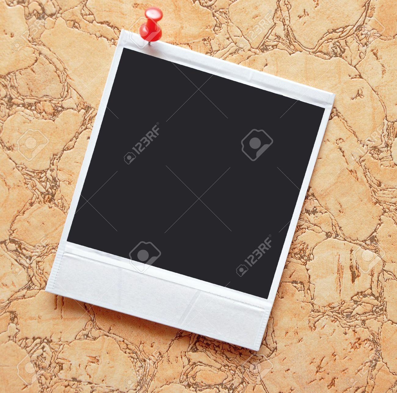 Polaroid Rahmen Gedrückt Den Red Pin In Den Hintergrund Lizenzfreie ...
