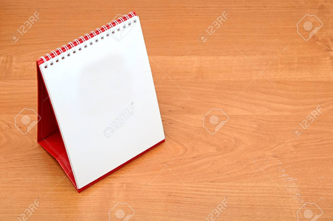 blank desktop calendar Stock Photo - 15280600