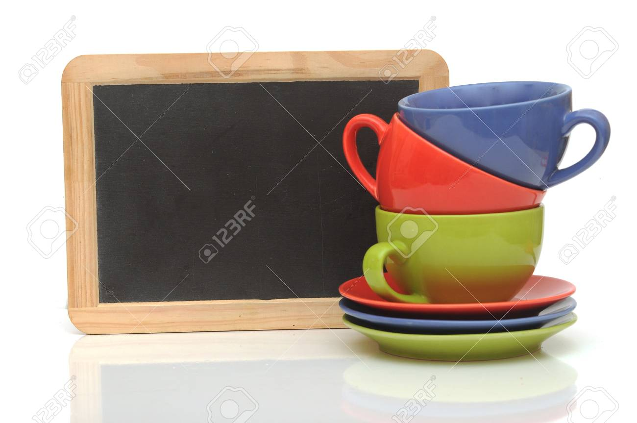 Set of colorful cups with blackboard on white. tea time - 20073460