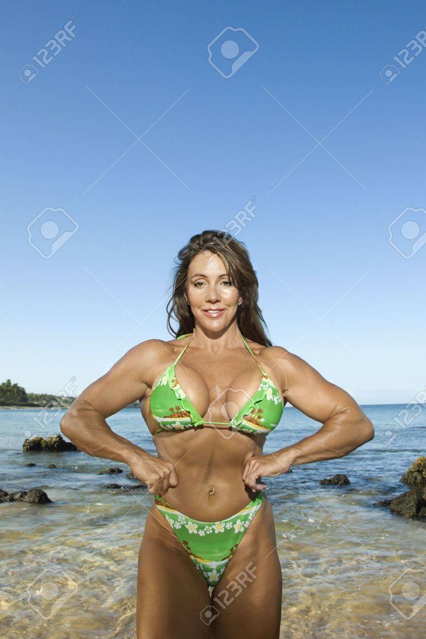 Adult Bikini Pretty Bodybuilder Flexing Caucasian Woman In Mid dorCBeEQWx