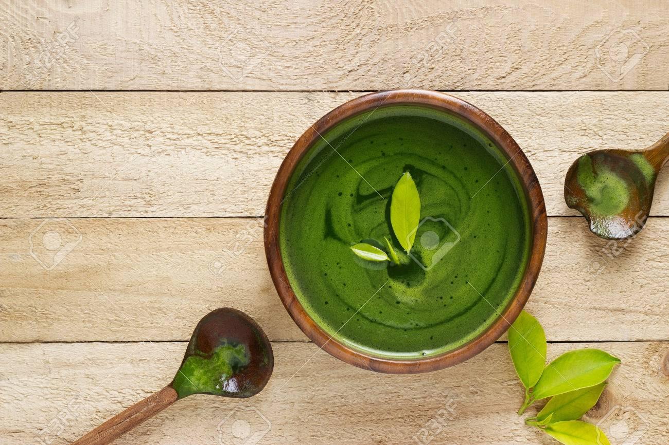 homemade green tea, refreshing for health on white background Standard-Bild - 55379195