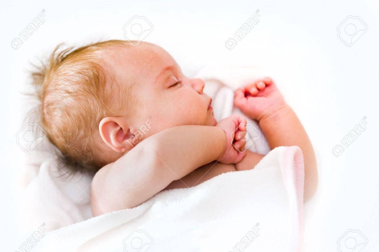 sleeping baby - 7651619