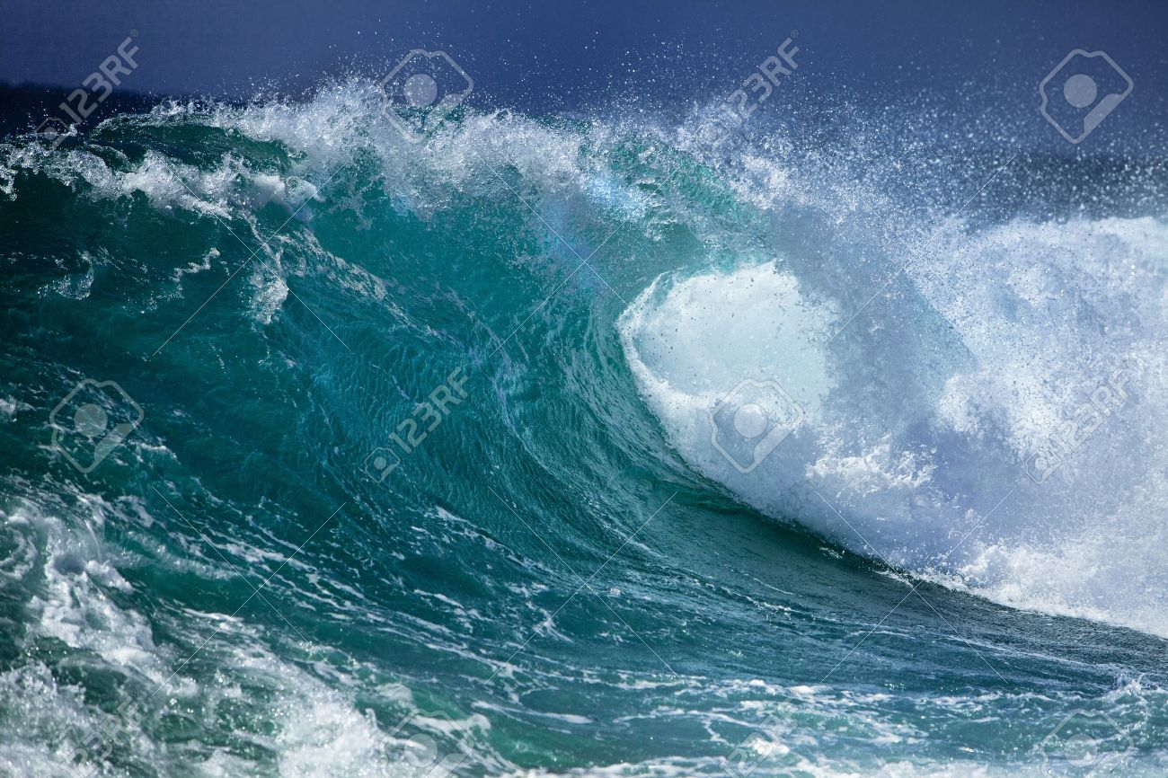 Ocean wave - 10487802