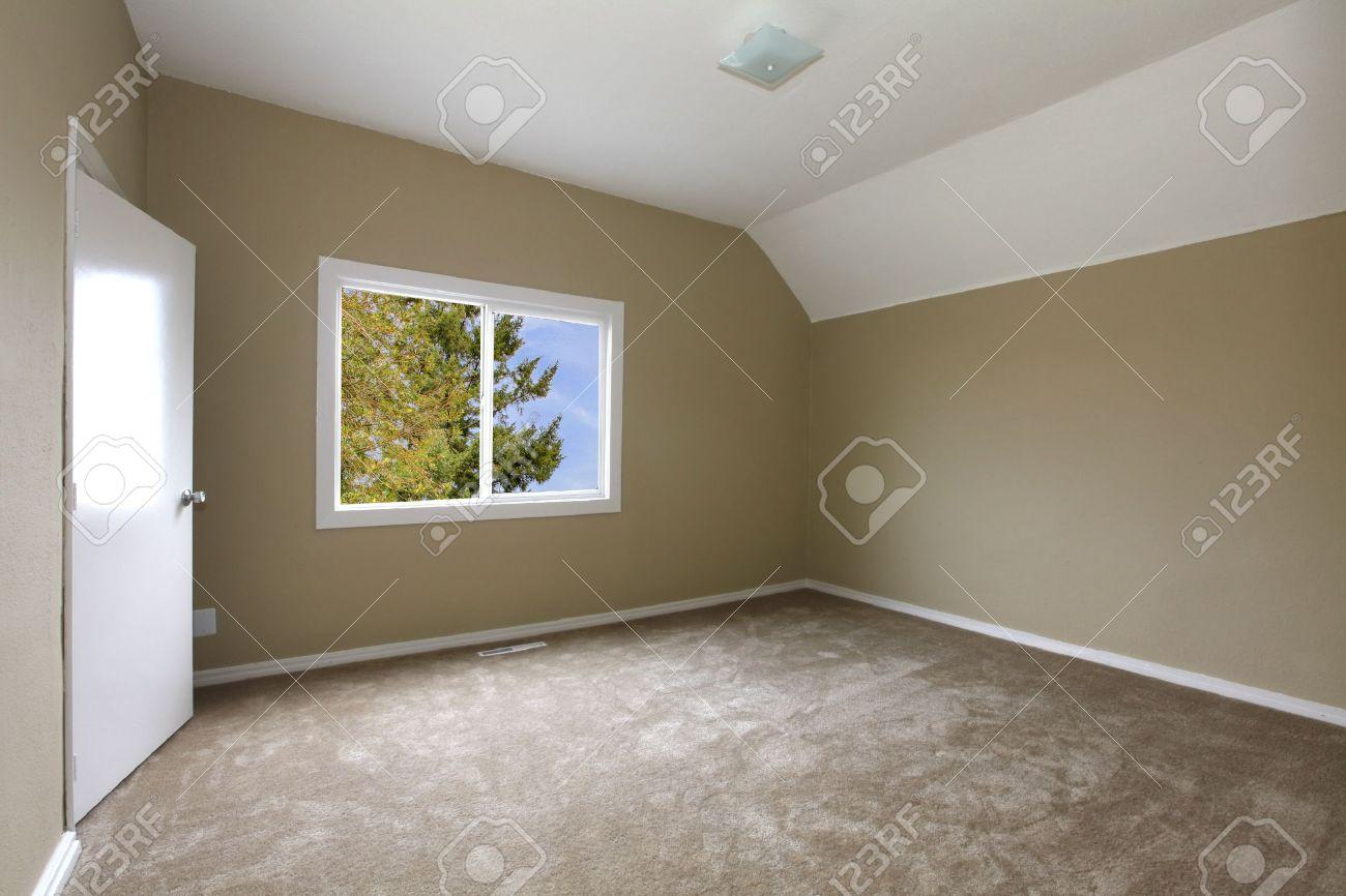 nouvelle chambre beige avec moquette banque dimages et photos - Chambre Beige Et Prune