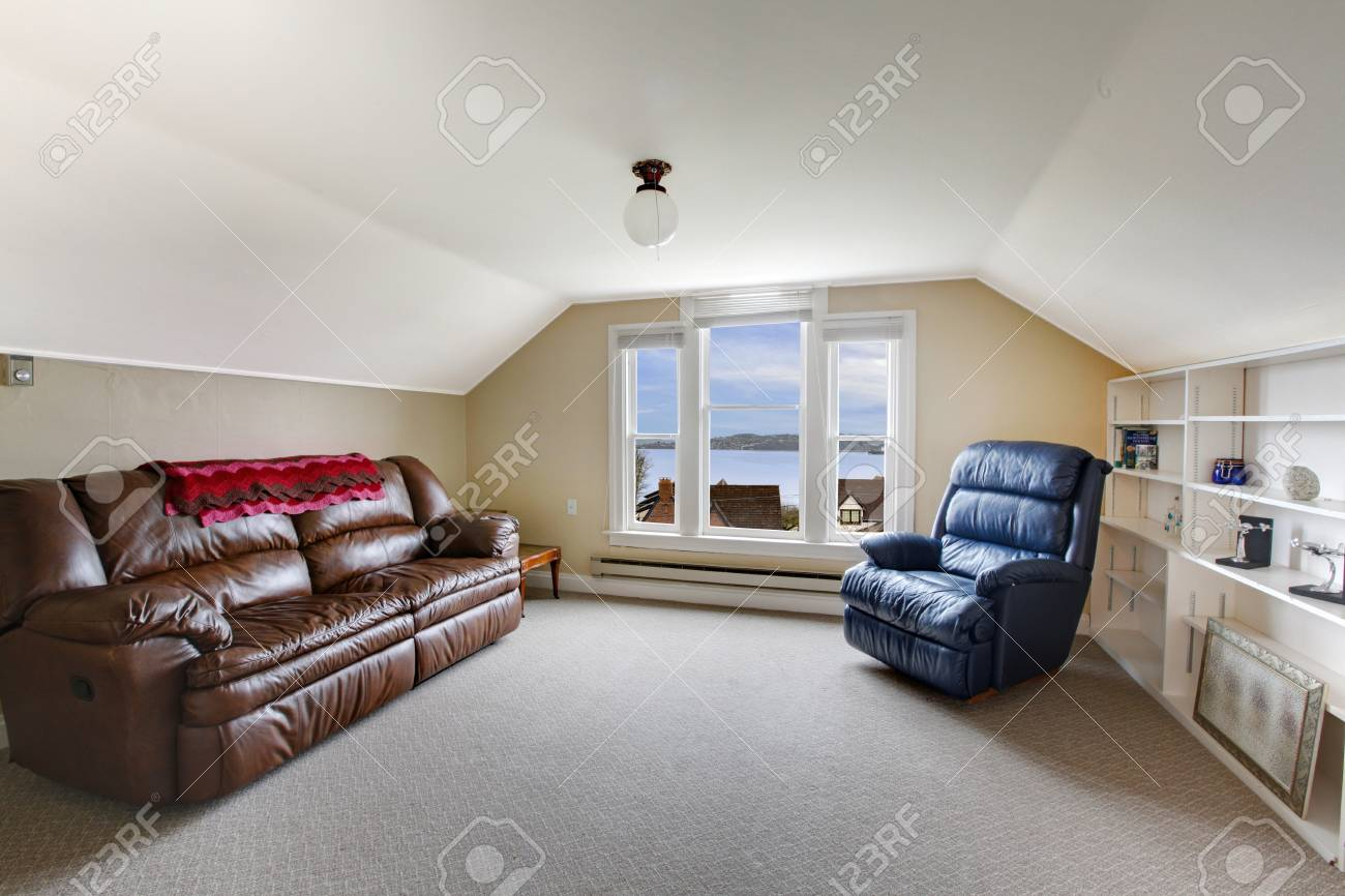 Small family room on the top floor Stock Photo - 12313177
