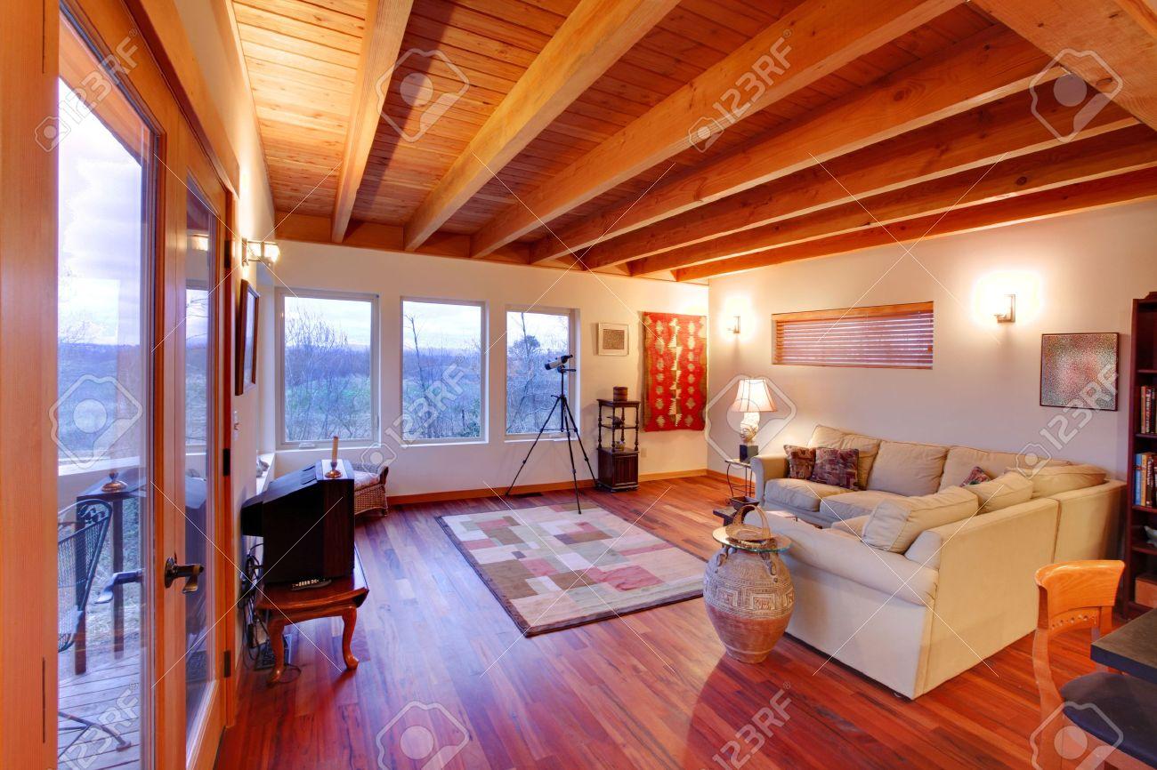 Moderne Luxus Wohnzimmer Mit Schönem Parkett Kirsche In Seattle  Standard Bild   12312598