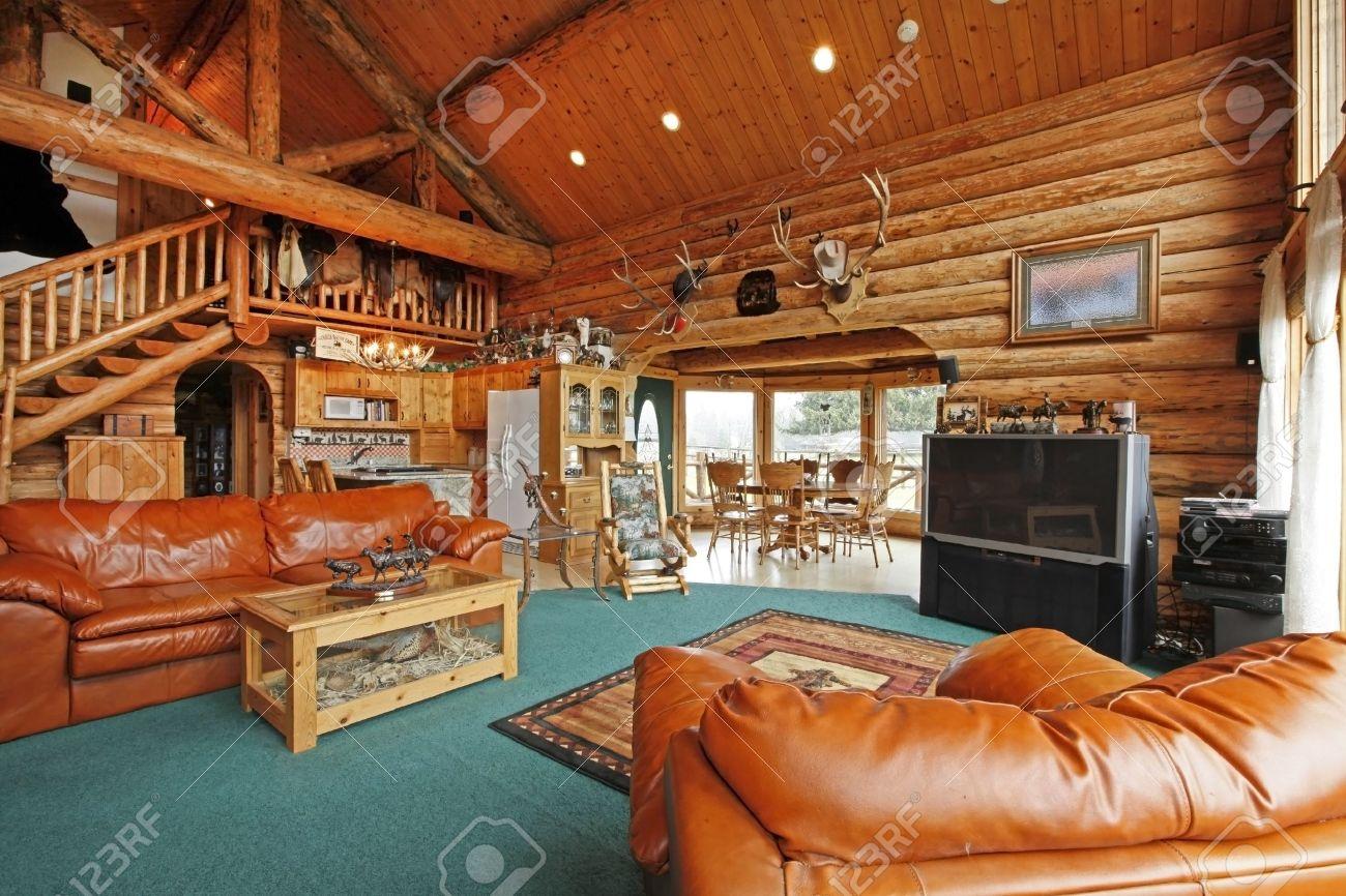 Amplio Salon Comedor De La Casa De Madera Con Estilo Vaquero Fotos - Salon-madera