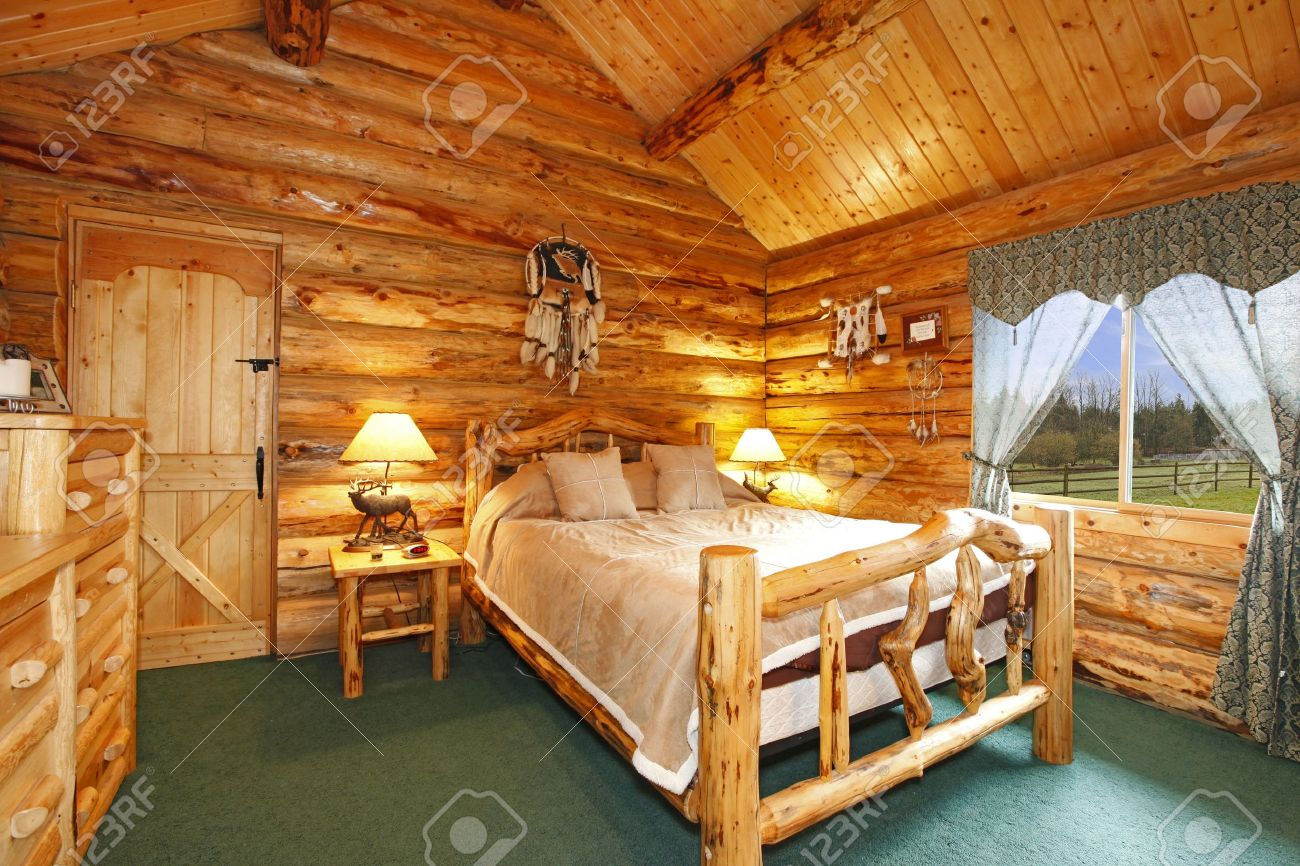Log Cabin Bedroom With Rustic Wood Design Stock Photo   12312406