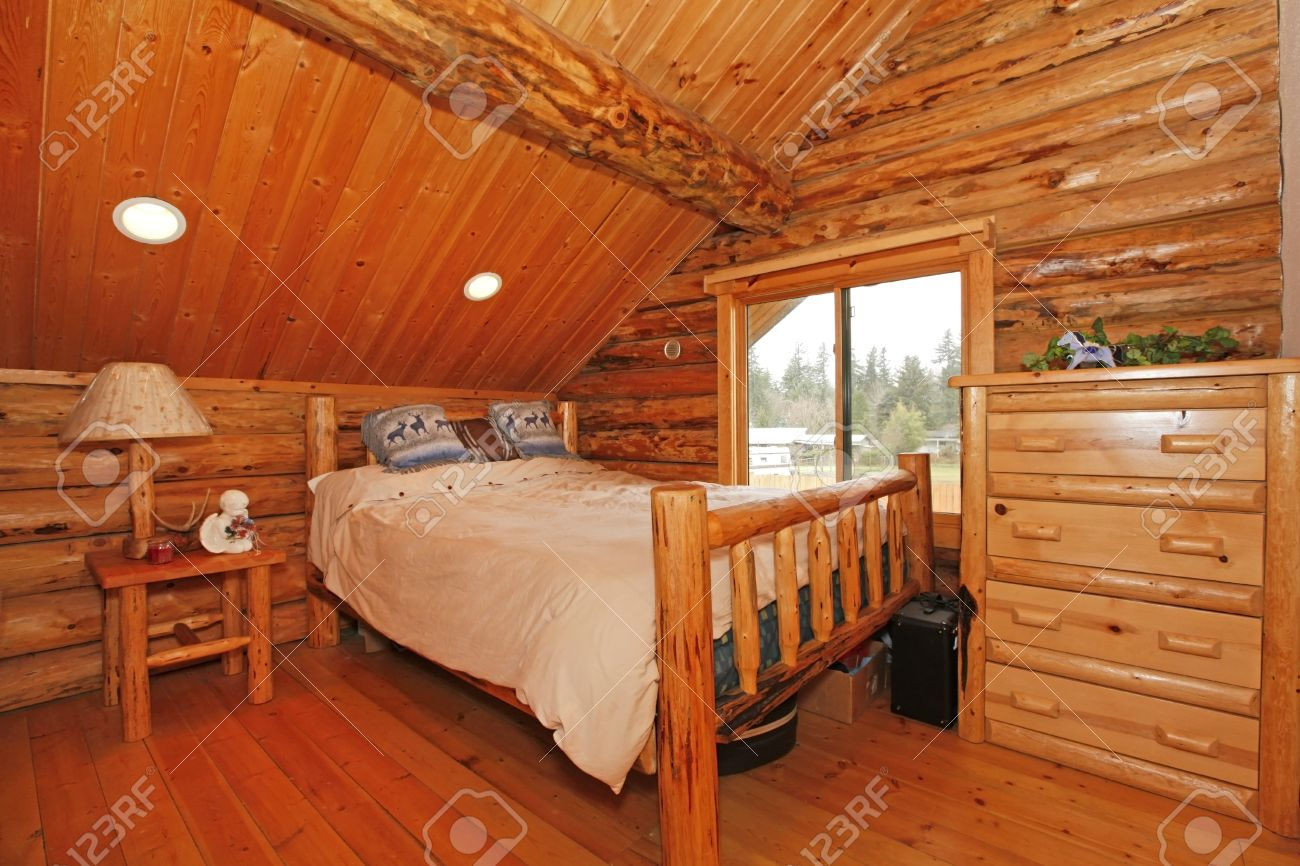 Bedroom In Rustic Mountain Log Cabin With Large Scale Furniture Stock Photo    12312284