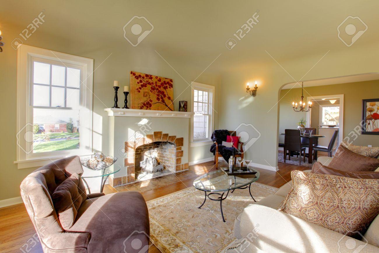 pareti verdi, i toni beige e accogliente camera in stile artigiano ... - Soggiorno Pareti Verdi 2