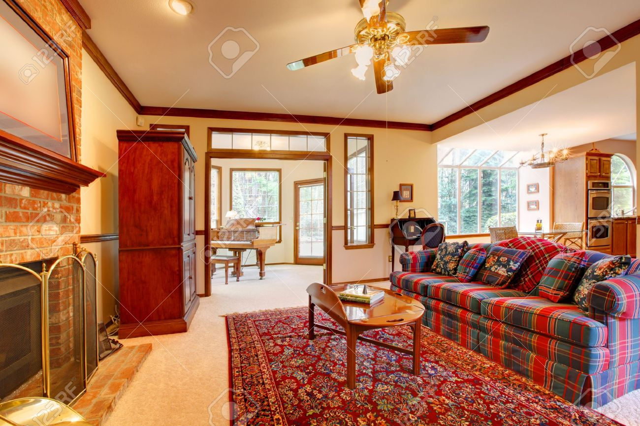 Living room in a classes English Style. Stock Photo - 12310483