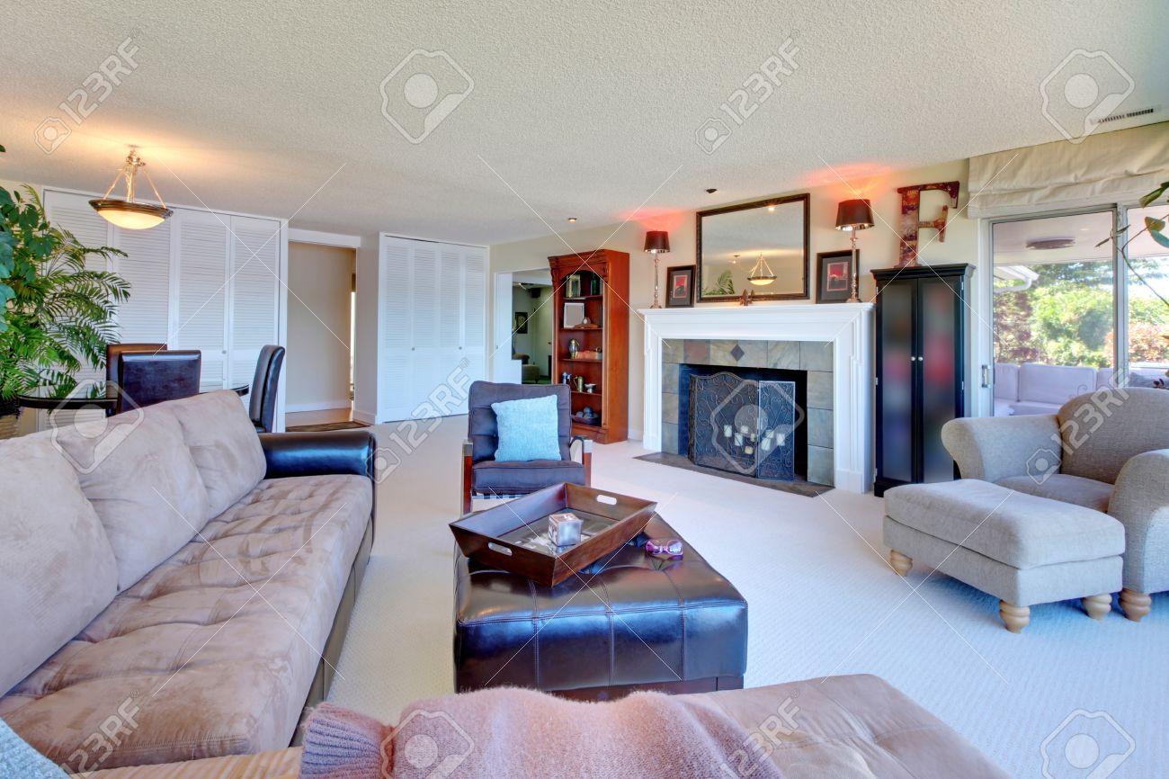 soggiorno con divano angolare ~ arredare un salotto lungo e ... - Salone Moderno Con Camino
