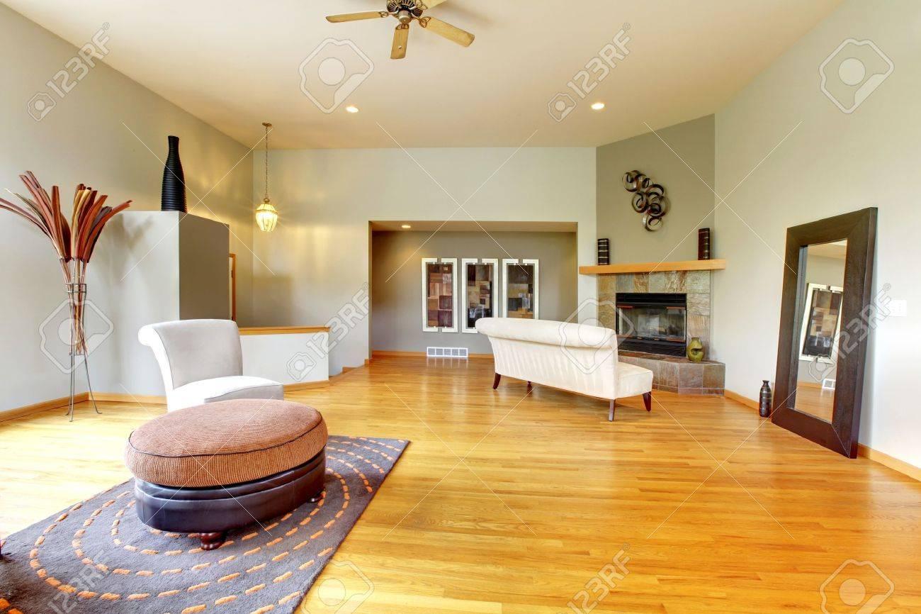 Modern living room furniture green - Fantastic Modern Living Room Home Interior Huge Green Bright Room With Modern Furniture Stock