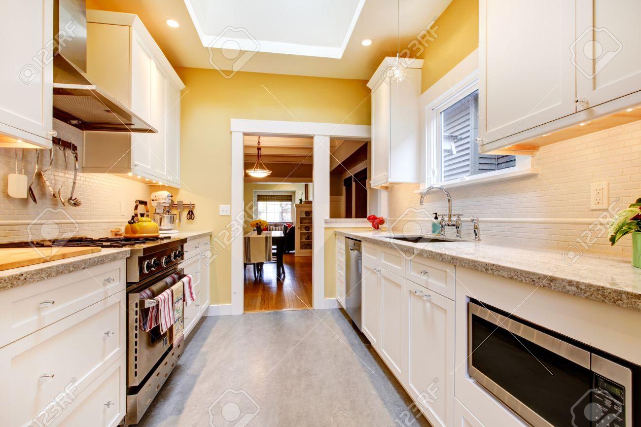 Pavimento Scuro Colore Pareti : Pavimento in cotto colore pareti simple pavimento grigio e pareti
