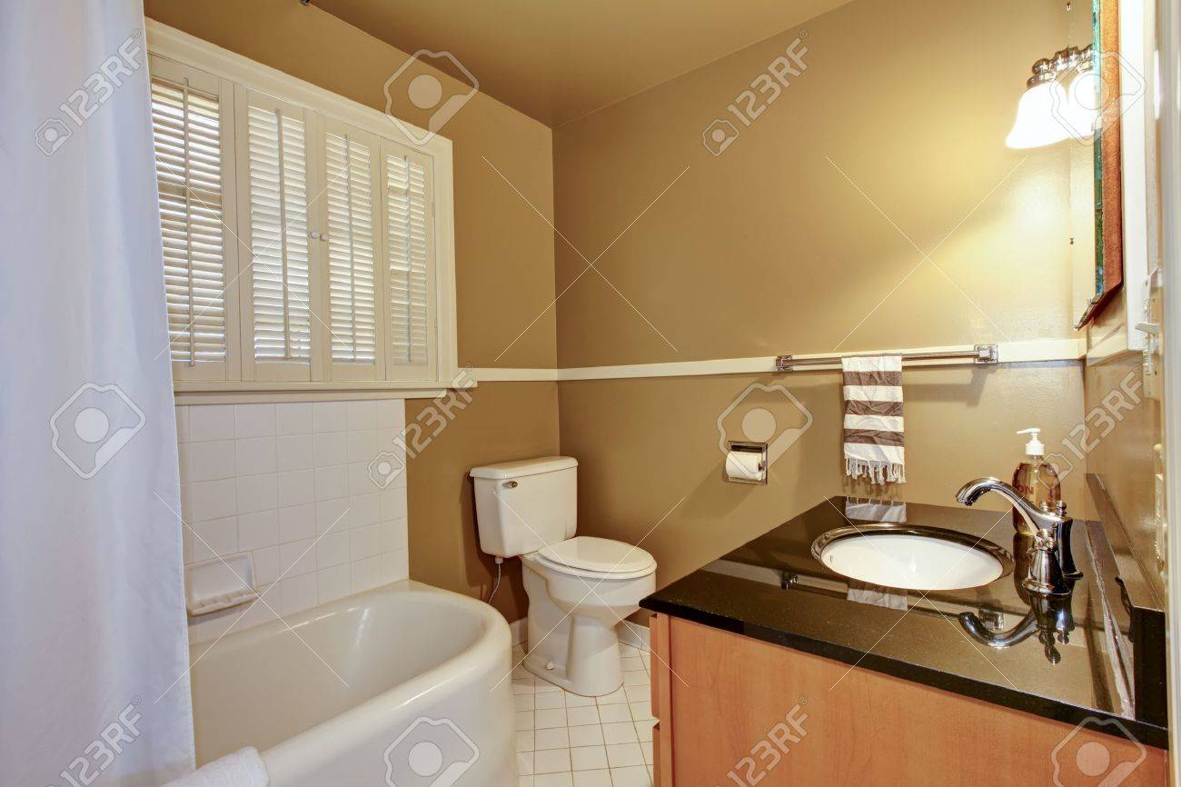 Braunes Badezimmer