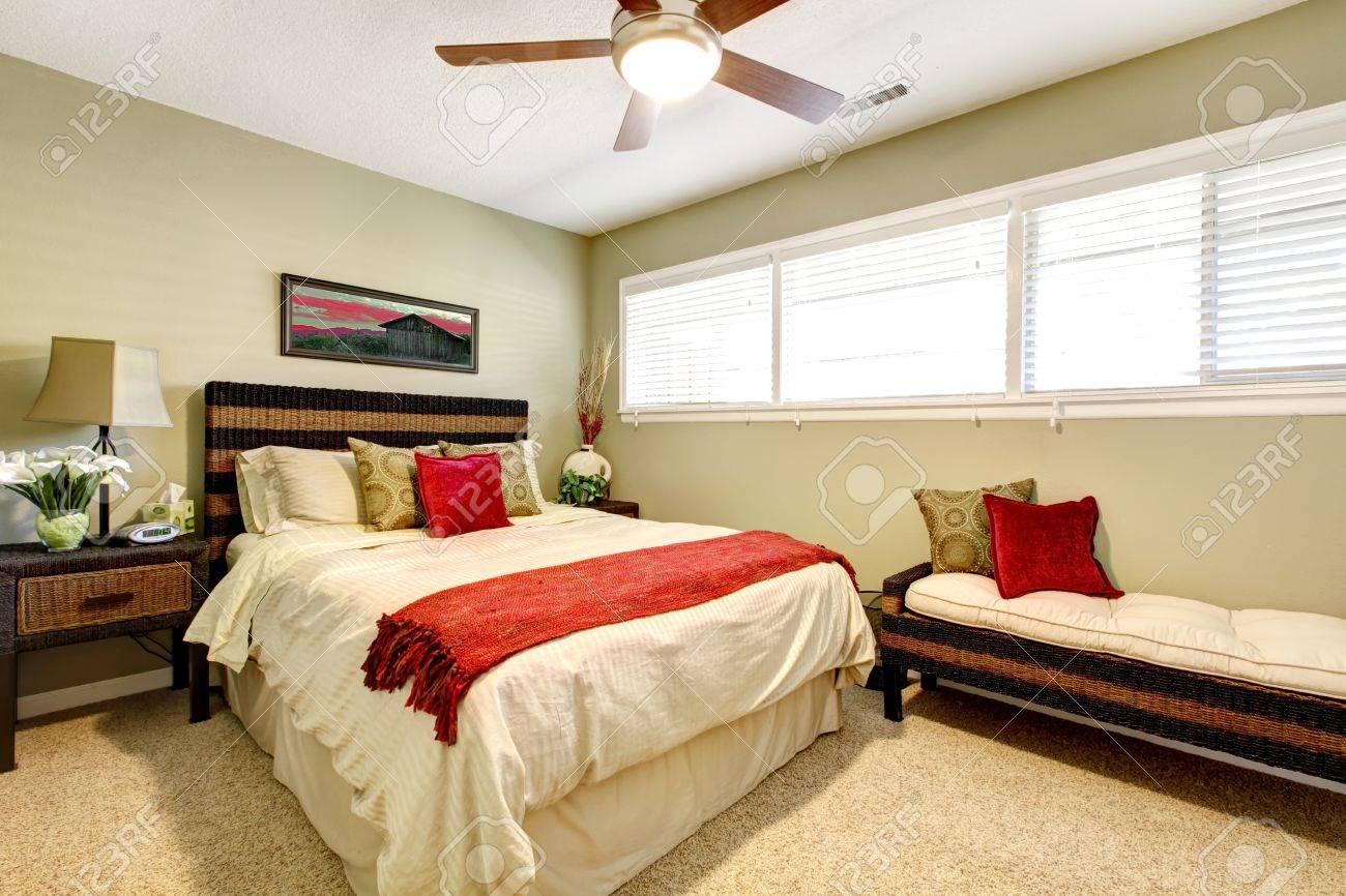 Schlafzimmer Grün | Schlafzimmer Innenraum Mit Rot Und Grun Elegant Schlichte Design
