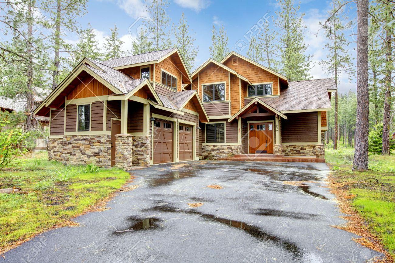 Montana Casa De Lujo Con Piedra Y Madera Exterior Bosque De La