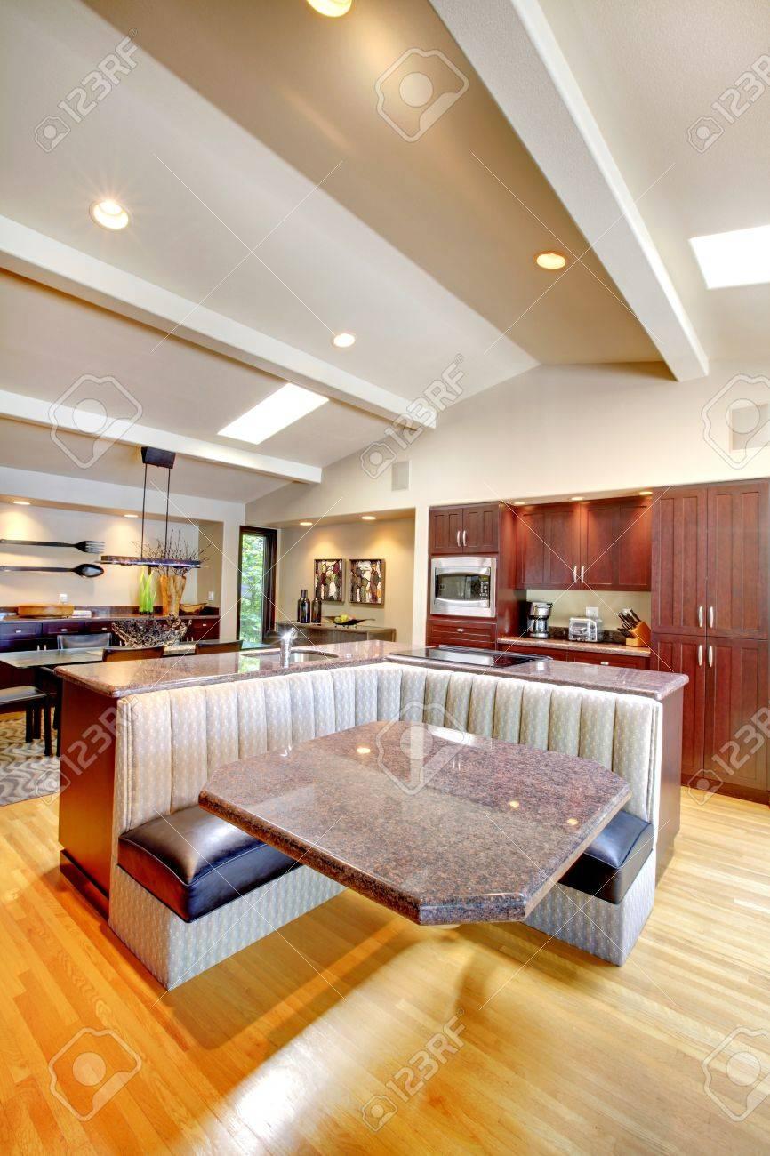 Luxury mahogany Kitchen with modern custom furniture design. Stock Photo - 17124838