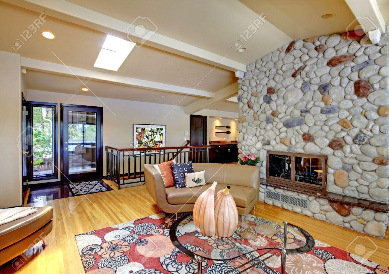 Offene modernen luxus home interior wohnzimmer und kamin ...