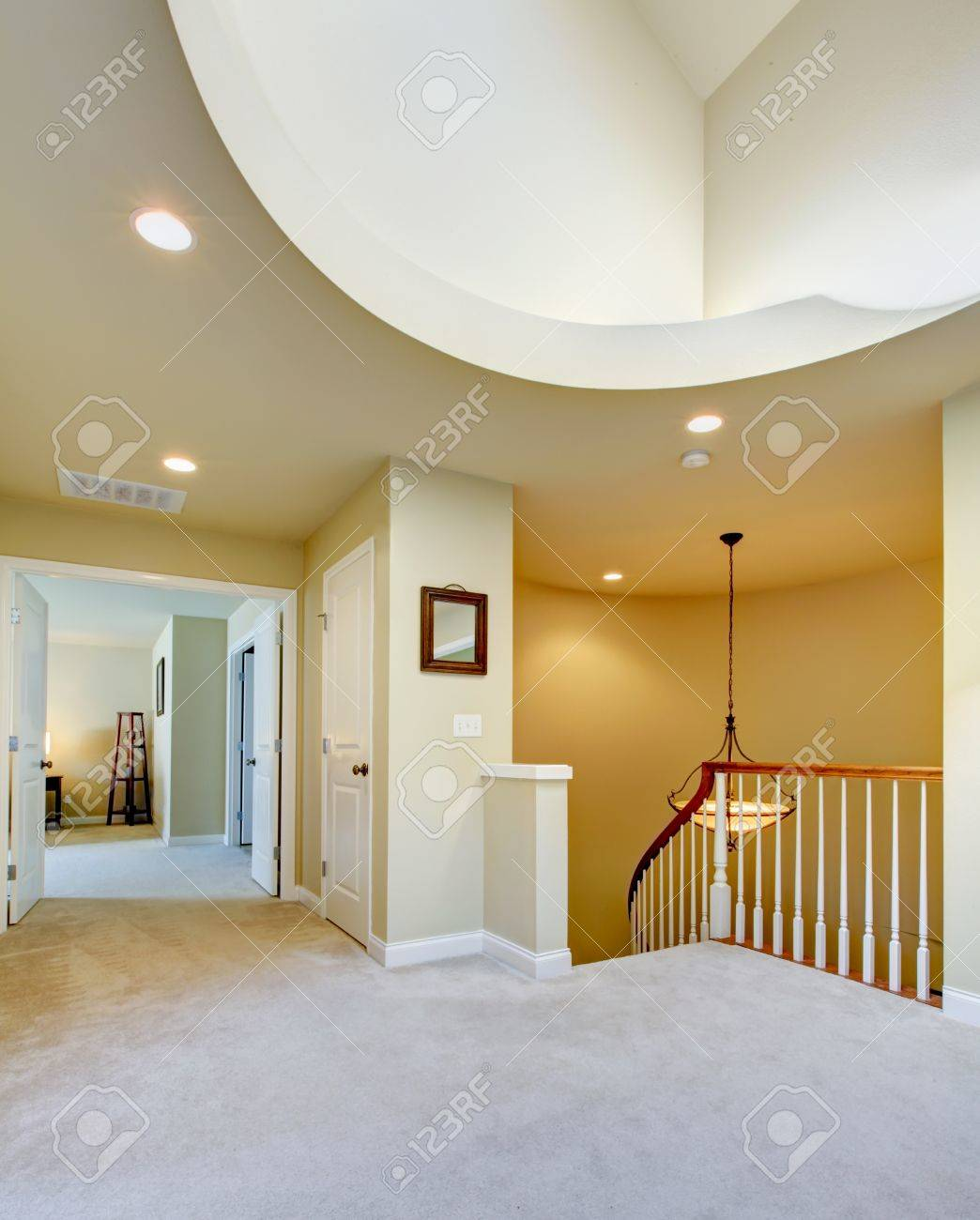 Home hallway interior with luxury  high round ceiling. Stock Photo - 17749660