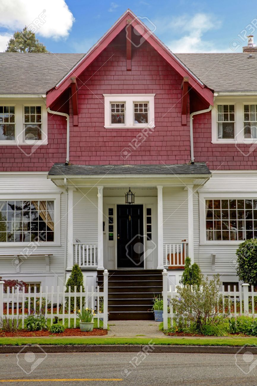 Covered front porch craftsman style home royalty free stock image - Craftsman Style Classic Large Craftsman Old American House Exterior In Red And White During Spring