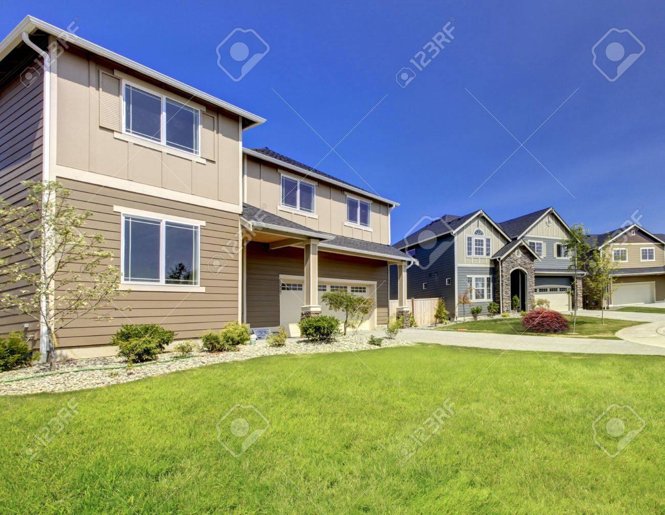 Typical American Midclass Neubau Haus Außen Lizenzfreie Fotos ...