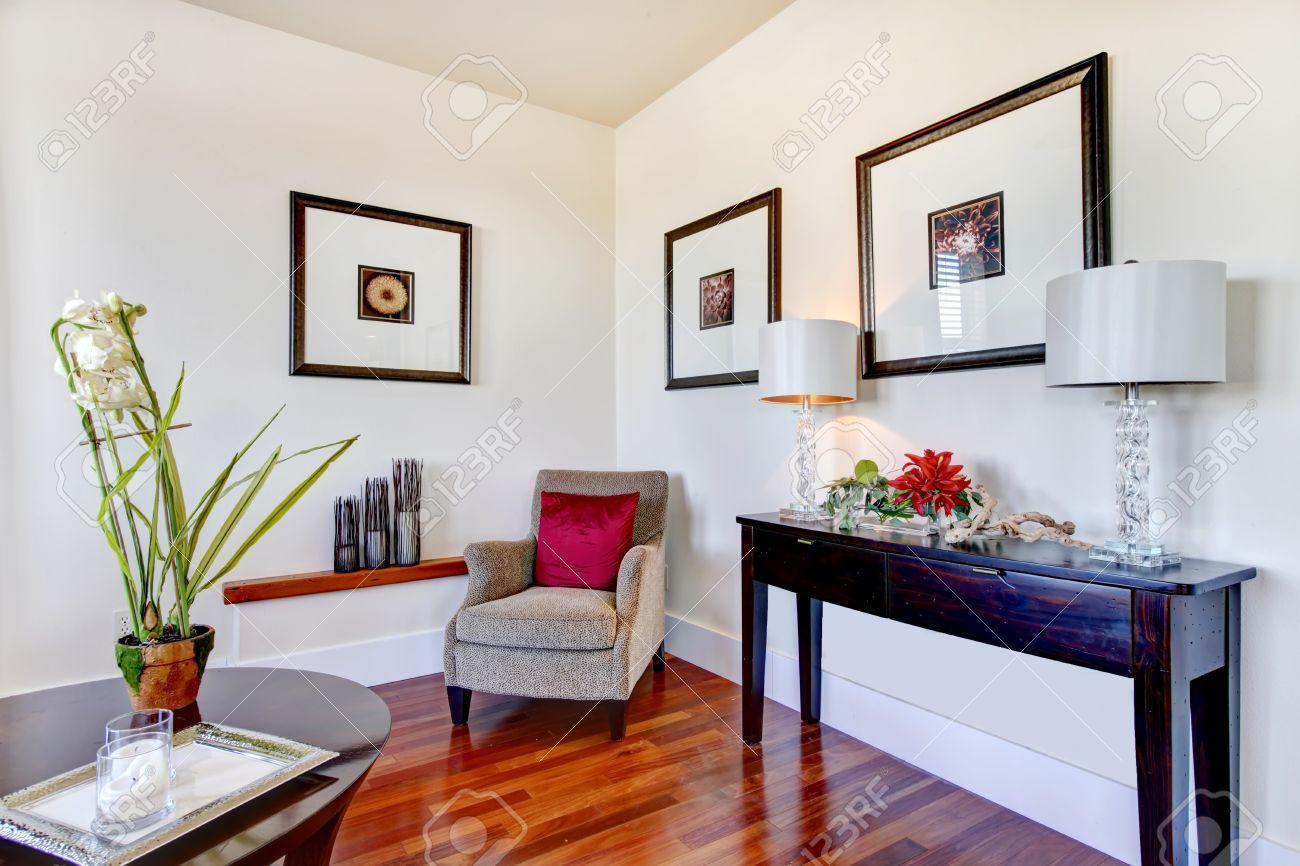 Great Combination Of Light Tone Walls, Whiskey Hardwood Floor ...