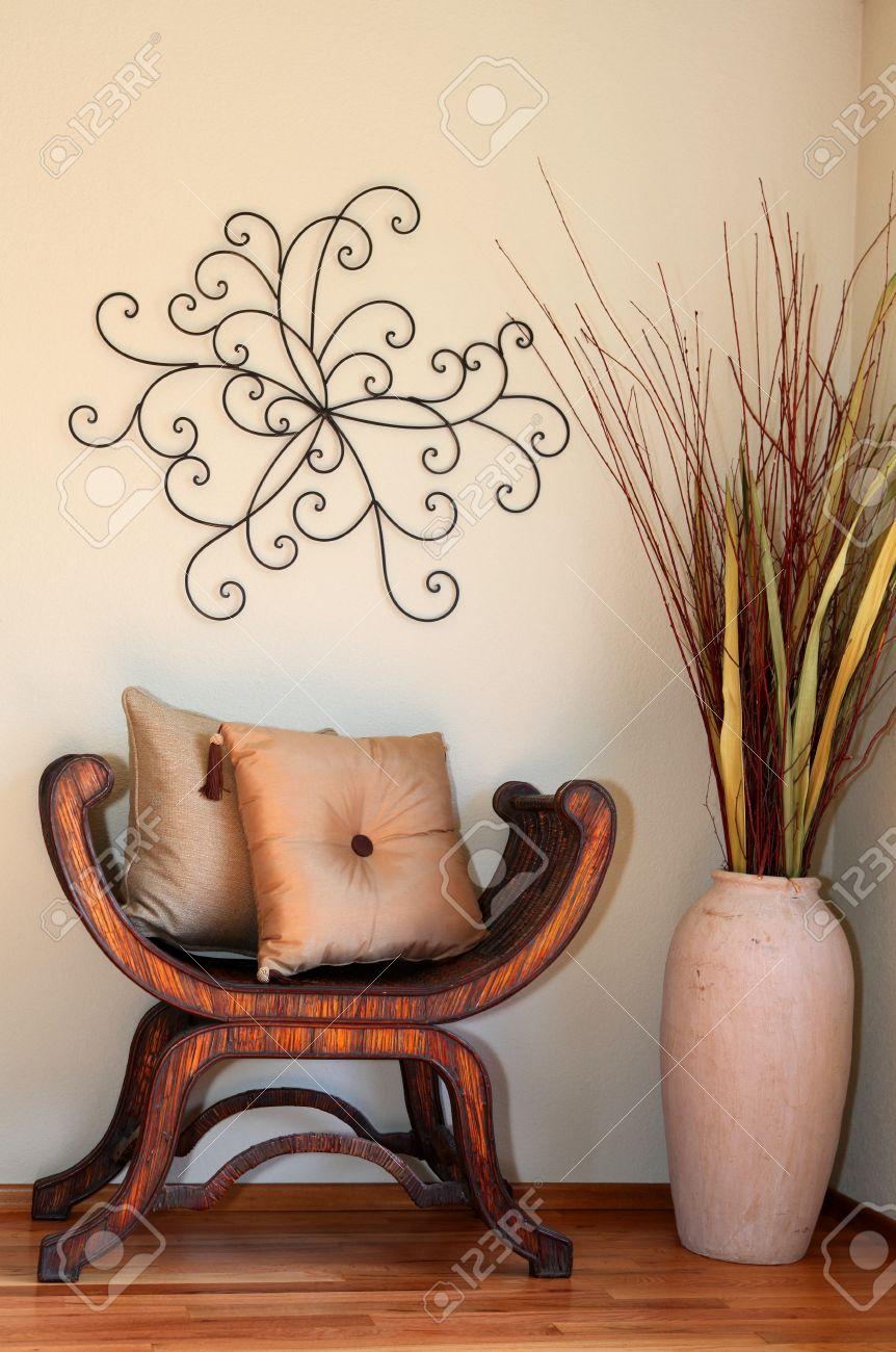 stunning gran rincn decorado con jarrones y ramas secas madera rstica silla almohadas y el with jarrones decorados - Jarrones Decorados