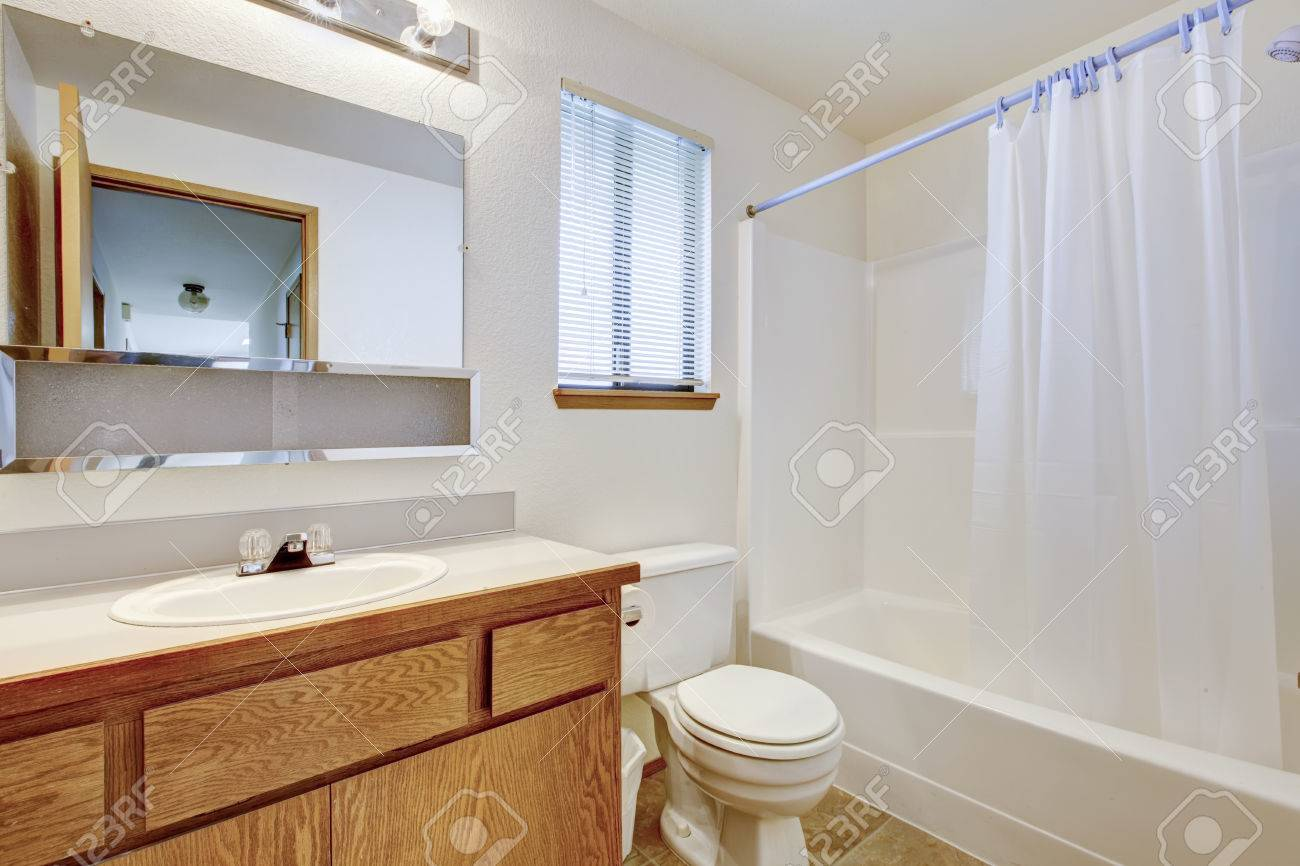 Bathroom Cabinets White Wooden White Wooden Bathroom Furniture The ...