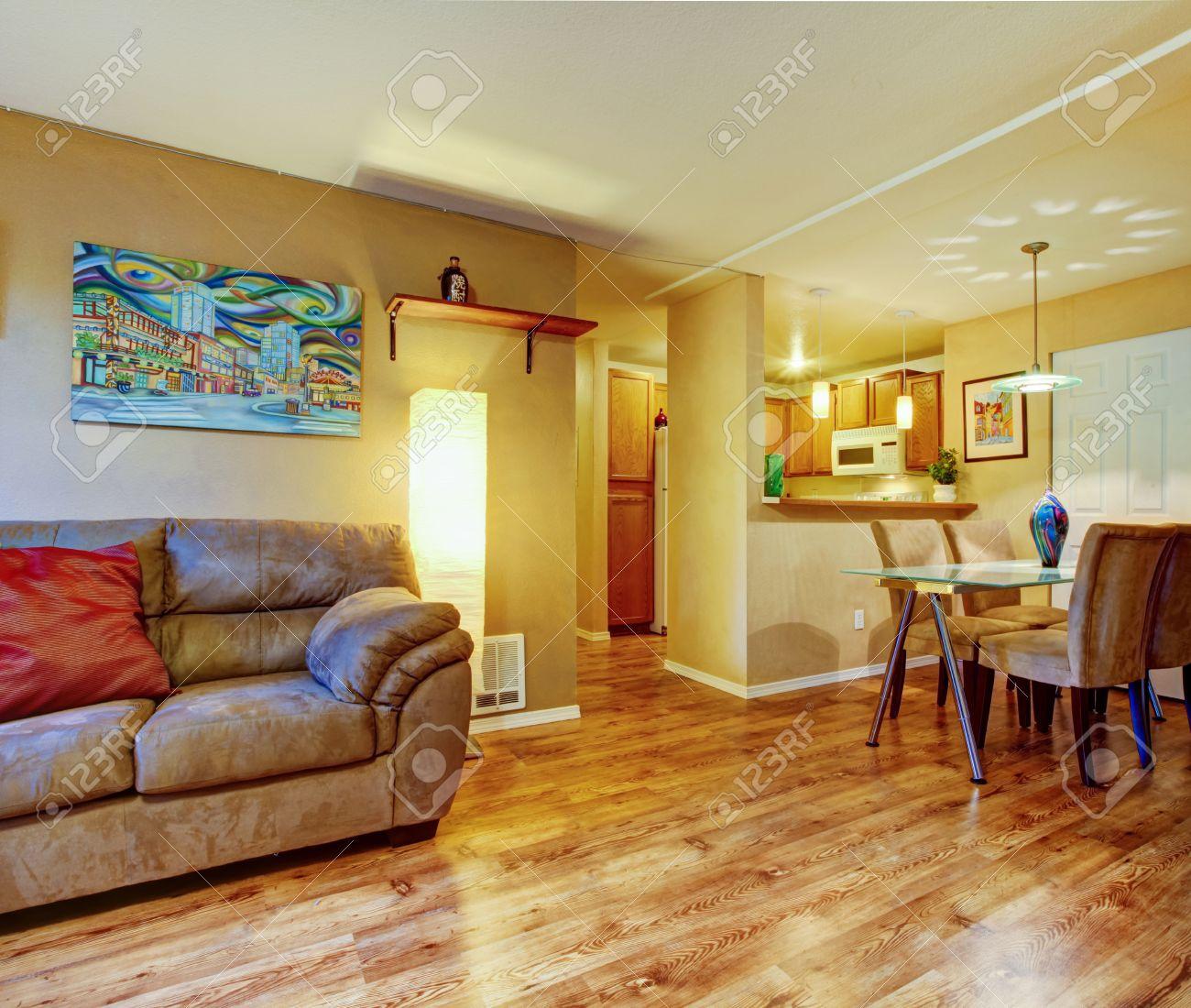 Kleines Haus Innenraum Wohnzimmer Mit Esstisch Set Und Eine Kleine