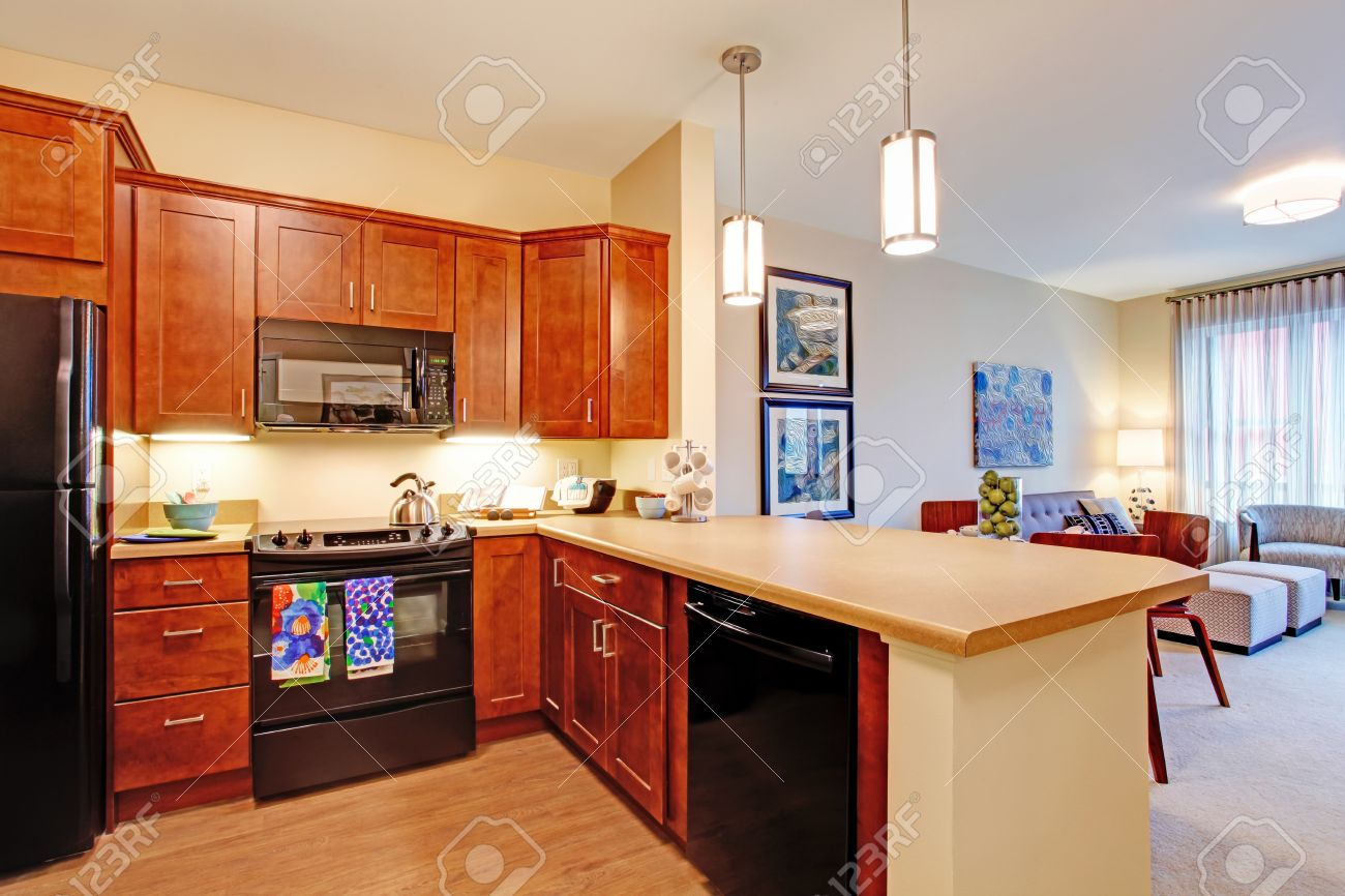 banque dimages chambre moderne de cuisine dans lappartement avec lopen plan dtage vue du salon