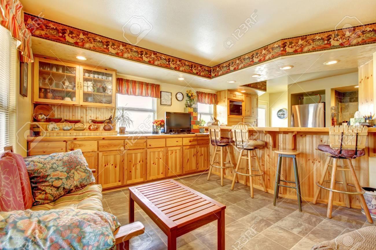 Immagini Stock - Casa Interni Apri Piano Piano Cucina E Sala Pranzo ...