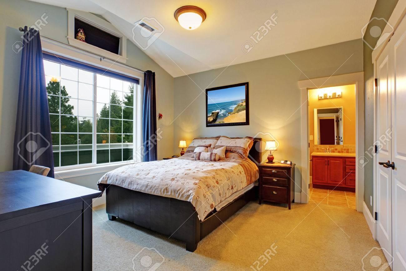 Haupt Schlafzimmer Interieur Mit Großen Französisch Fenster