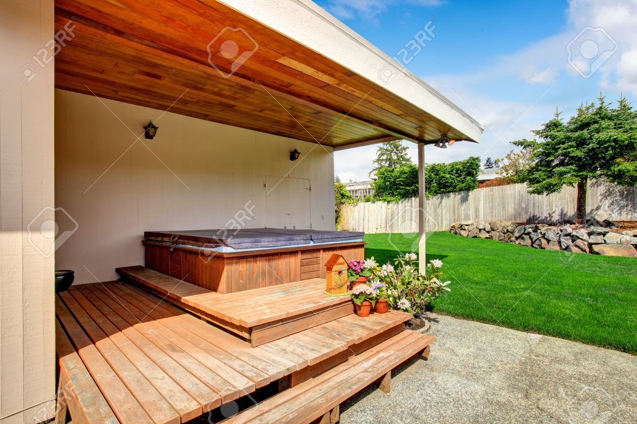 house exterior with walkout deck and jacuzzi stock photo 30056915 - Jacuzzis Exterior