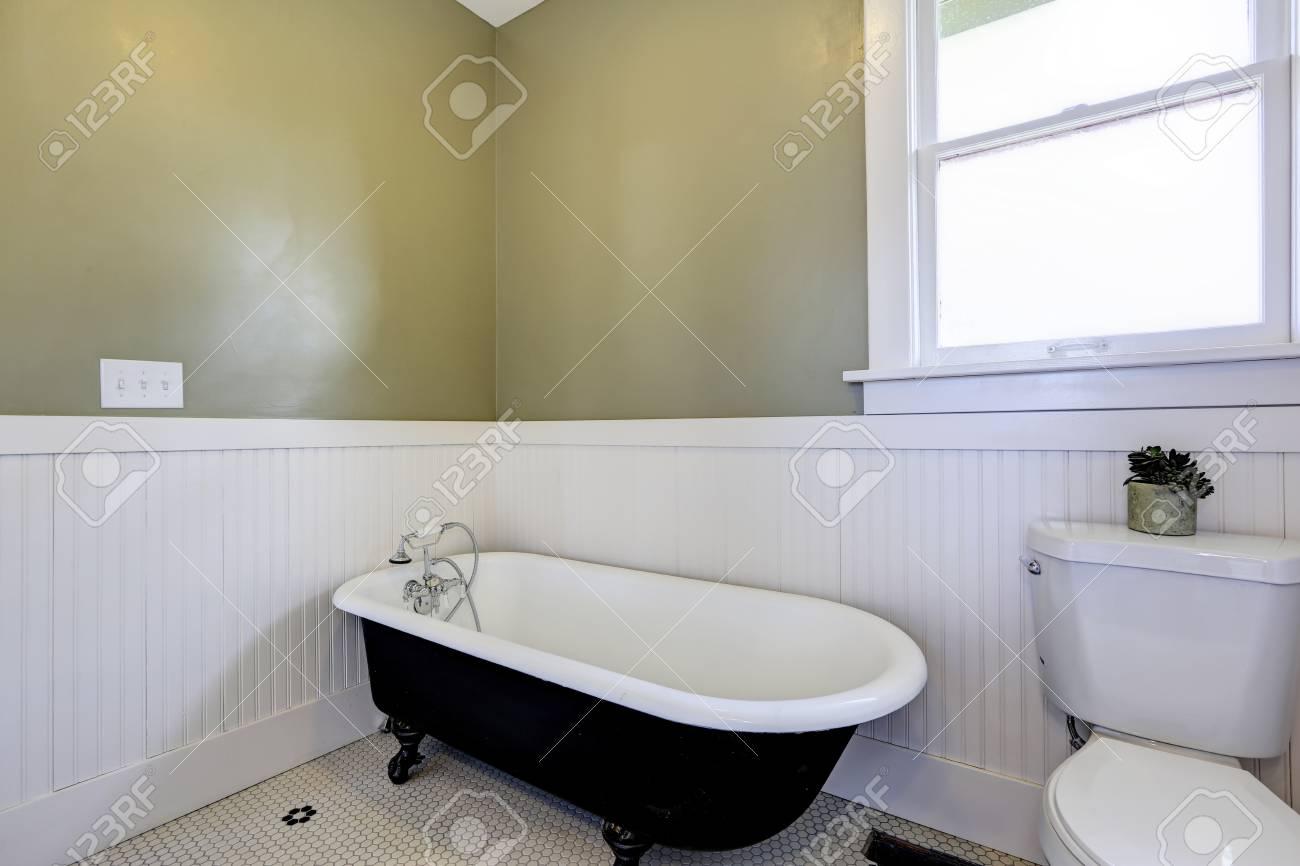 Lavandino Bagno Con Piede luce bagno verde e bianco con artiglio piedi vasca e armadietto di vanità