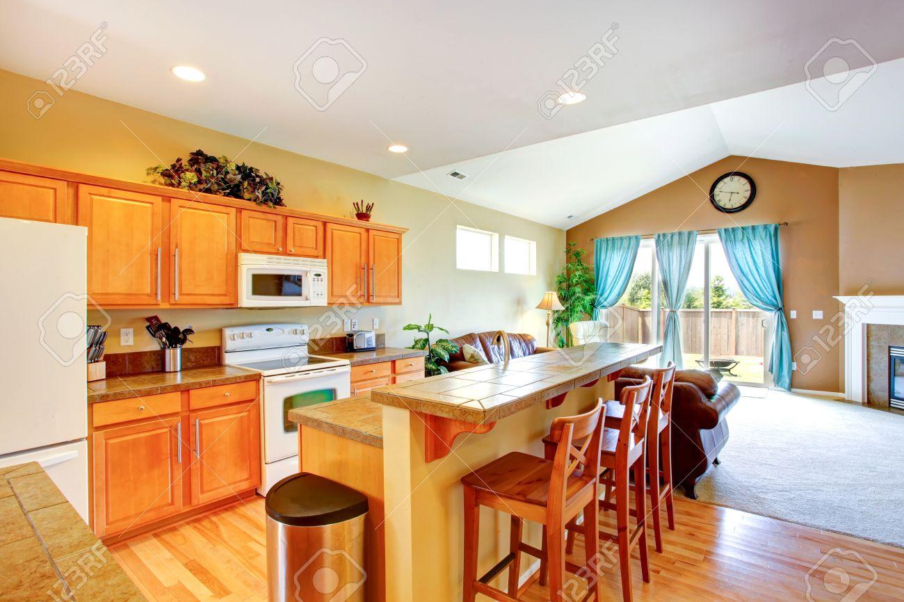 Cucine A Vista Con Soggiorno : Cucina a vista con soggiorno ...