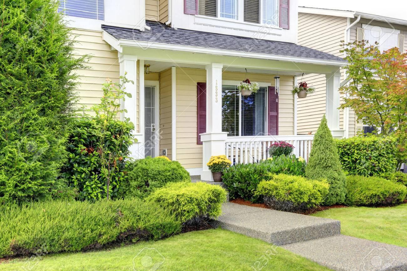 Americain Maison porche d'entrée maison extérieur américain classique et un attrait