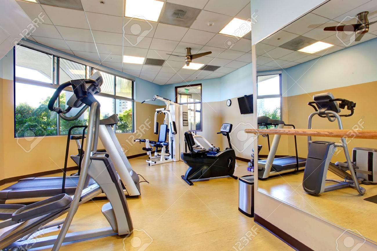 Spiegel Fitnessraum spiegel fitnessraum hausdesigns co