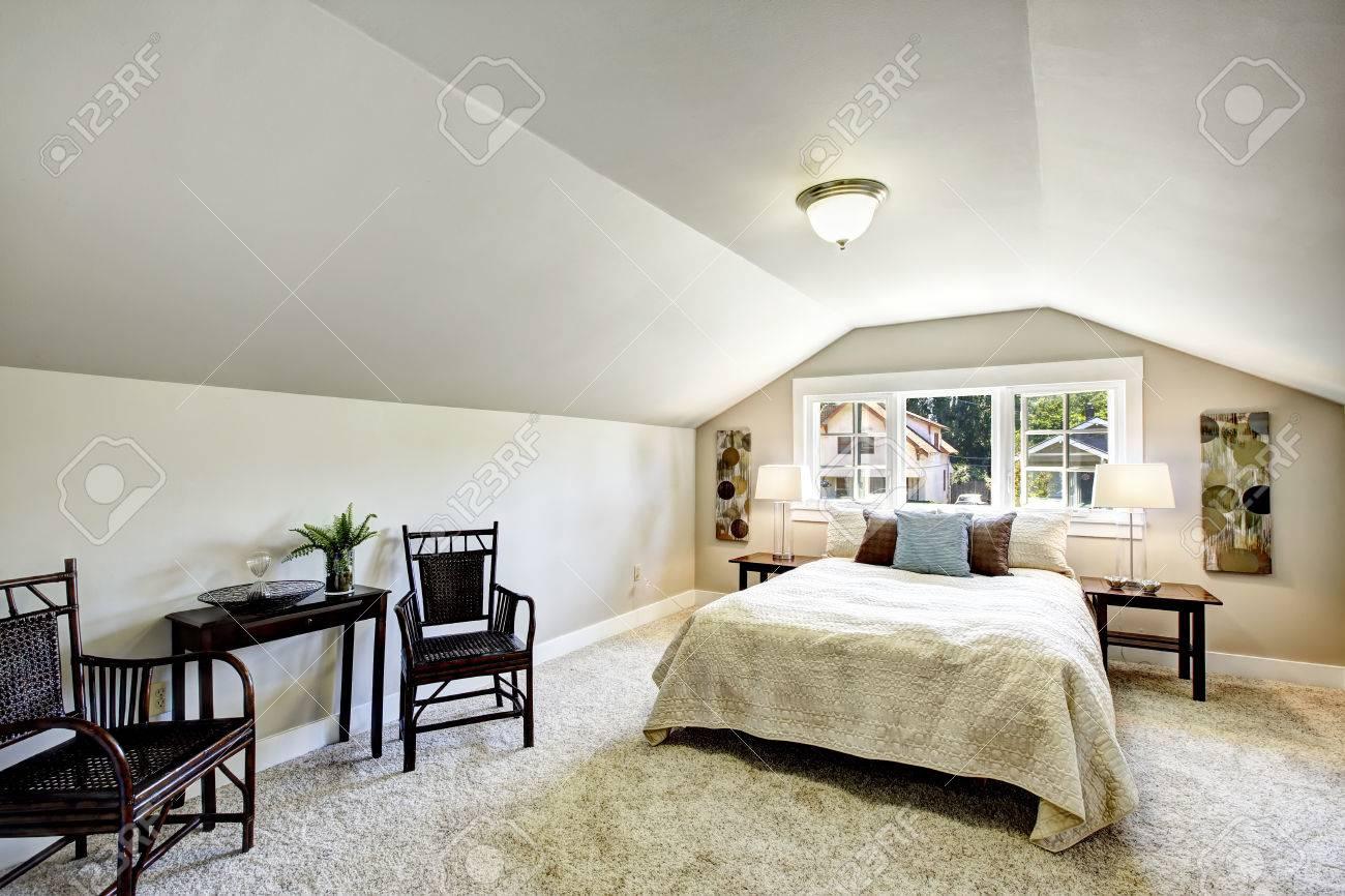 interno camera da letto con soffitto a volta e zona salotto ... - Cuscini Camera Da Letto