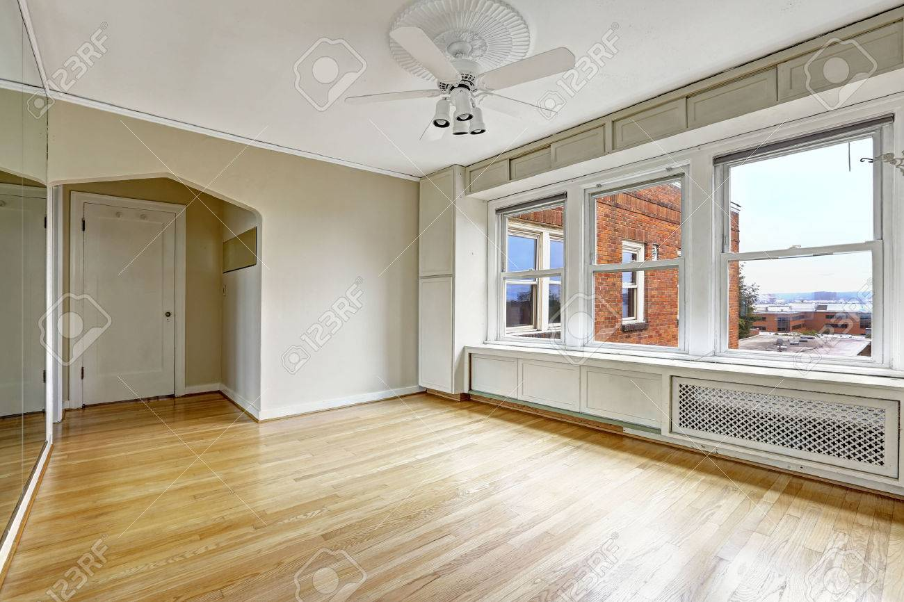 empty apartment bedroom. Empty Apartment Interior In Old Residential Building Downtown  Seattle Bedroom With Hardwood Floor Apartment Interior In Old Residential Building