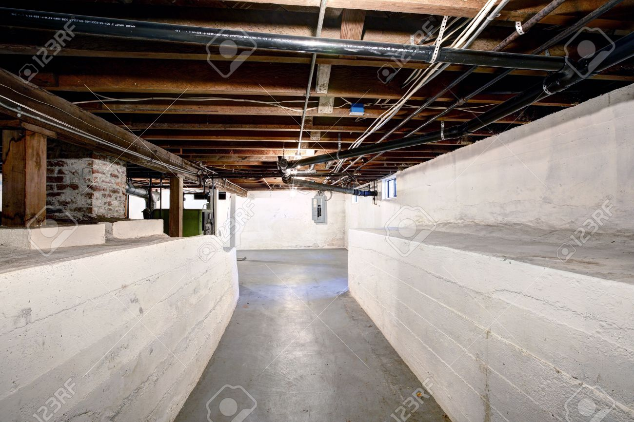 Empty basement in old house with white walls and concrete floor Stock Photo - 31659104 & Empty Basement In Old House With White Walls And Concrete Floor ...